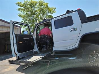 WOW Handicap Conversion (RARE) ONLY 60,121 MILES 05 Hummer H2